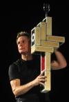 Mark Nizer - comedy juggler (USA)